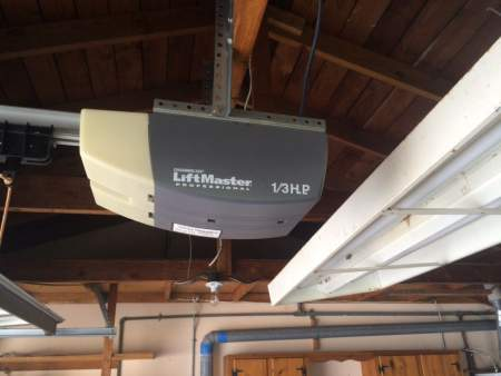 How to choose the right garage door openerpronto garage for How to select a garage door opener